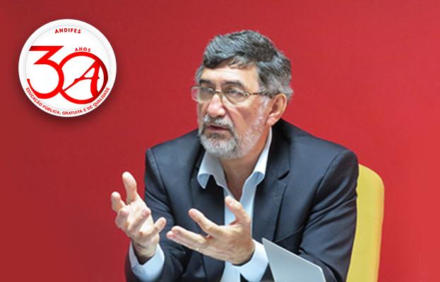 Presidente da Andifes, Reinaldo Centoducatte (UFES).