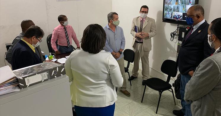 Comitiva da UFRB é recebida pelo presidente da Câmara e vereadores de Santo Amaro.